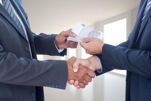 Wręczenie łapówki i przekupstwo osoby pełniącej funkcję publiczną