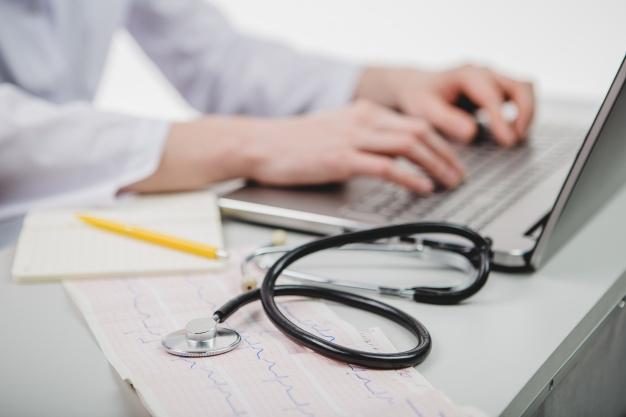 Badanie świadka, pokrzywdzonego, podejrzanego i oskarżonego przez lekarza