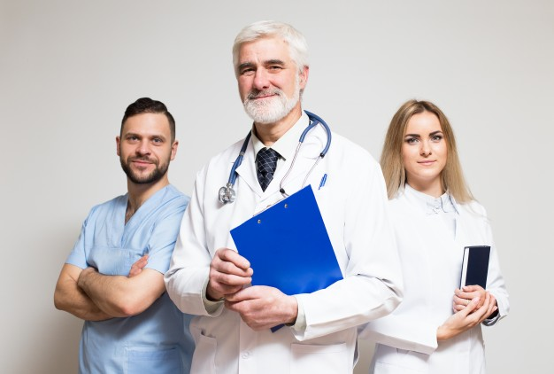 Zwolnienie lekarza z tajemnicy lekarskiej i medycznej przy błędzie medycznym