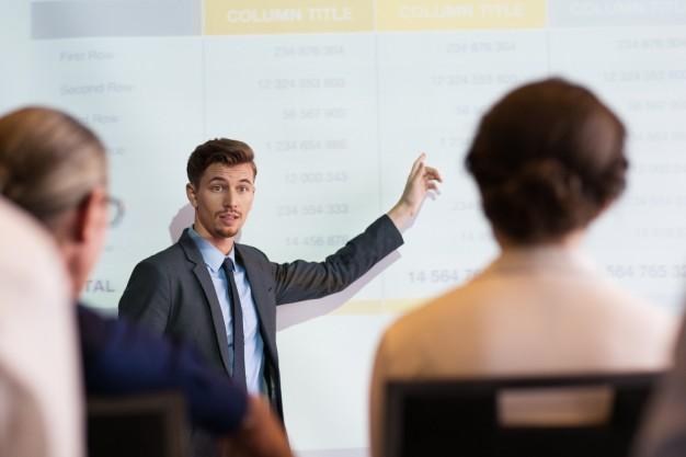 Przyjęcie i wzięcie łapówki czy pieniędzy przez nauczyciela lub wykładowcę – art. 228 k.k.