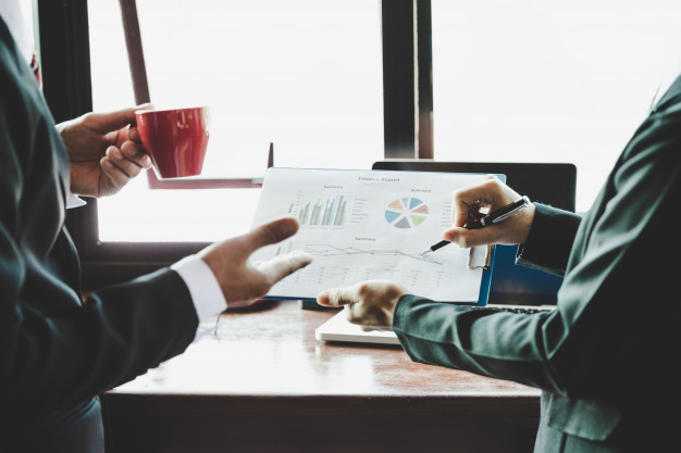 Wyrządzenie szkody w wielkich rozmiarach spółce czy firmie poprzez niedopełnienie obowiązków albo nadużycie uprawnień – art. 296 § 3 kk