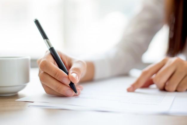 Podrabianie, przerabianie i fałszerstwo dokumentu czy umowy - art. 270 kodeksu karnego