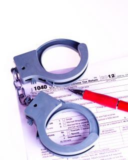Sprawa karna o przestępstwo nieujawnienia oraz nieopodatkowania źródła przychodu i dochodu