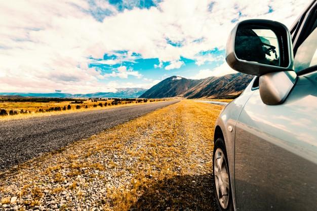 Wypadek komunikacyjny samochodem przy wymijaniu, omijaniu, wyprzedaniu i cofaniu
