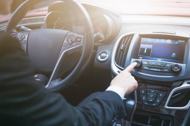Wypadek samochodowy i komunikacyjny poprzez niezachowanie odstępu oraz odległości