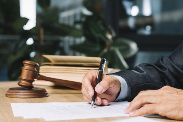 Wystawienie dokumentu przez urzędnika czy osobę poświadczające oraz zaświadczające nieprawdę