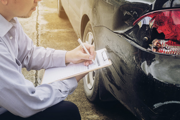 Kolizja i wypadek drogowych samochodem - art. 97 kodeksu wykroczeń