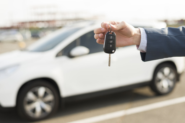 Kradzież samochodu z włamaniem– art. 279 kk